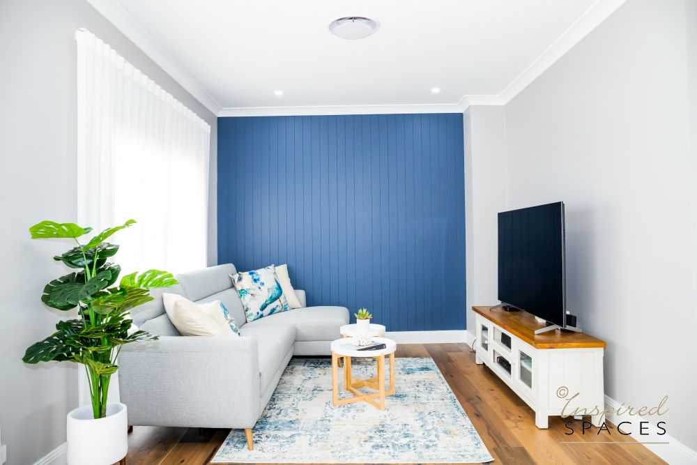 Blue and white Living area