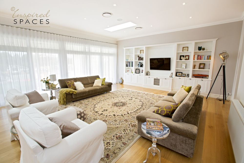 hamptons living room /lounge with rug and joinery